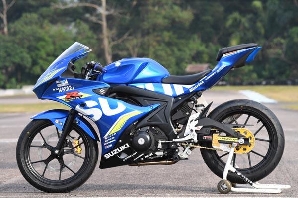 Suzuki_GSX-R150_Versi_Balap-right_sukanyamotor