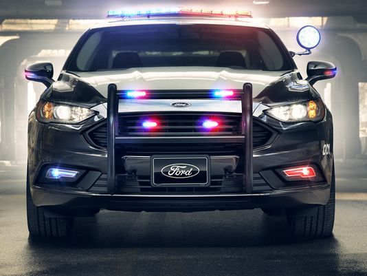 636273723259616334-Ford-Police-Responder-Hybrid-Sedan-06