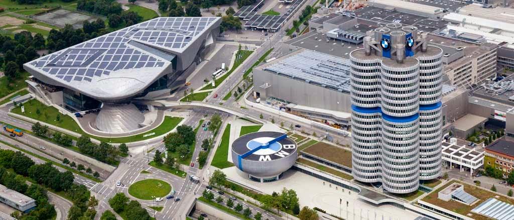 Kantor pusat BMW : BMW (singkatan untuk Bayerische Motoren Werke, atau dalam Bahasa Inggris, Bavarian Motor Works), adalah sebuah perusahaan otomotif Jerman yang memproduksi mobil dan sepeda motor (pict : biljacobsbmw.com)