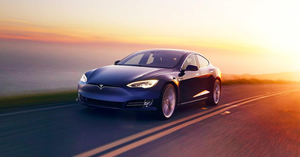 Mobil listrik produski pabrikan Tesla (pict : tesla.com)