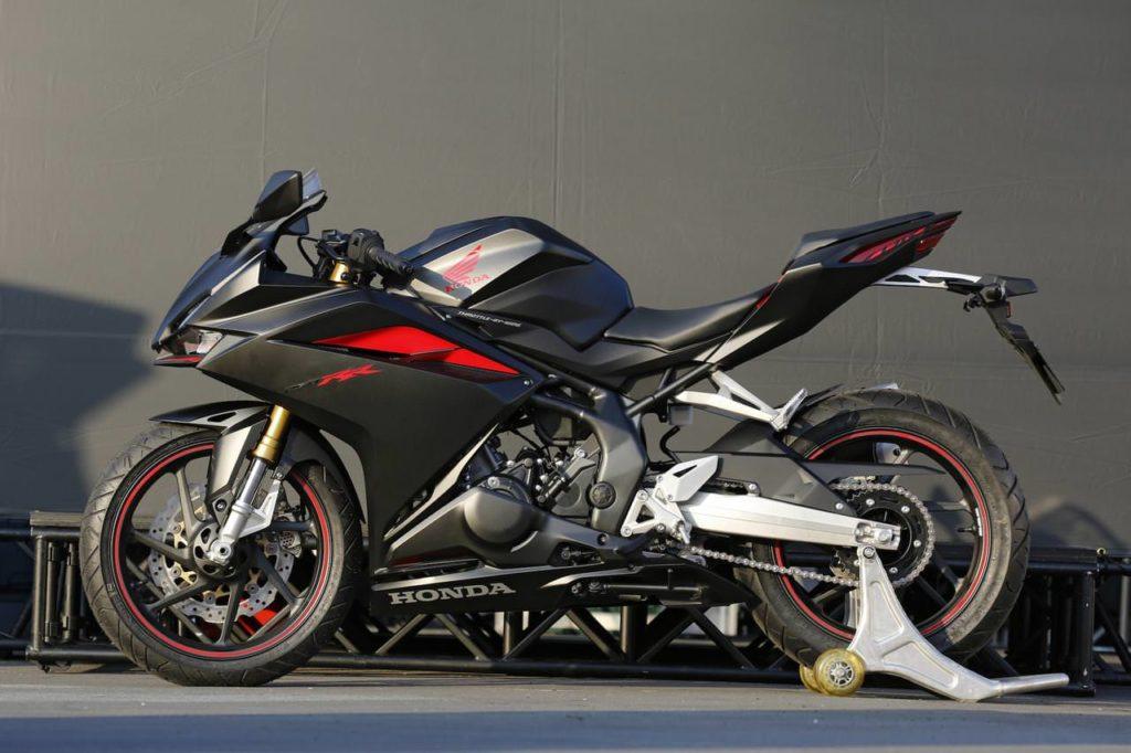 Motor Sport fairing 250cc paling memukau Honda CBR250RR