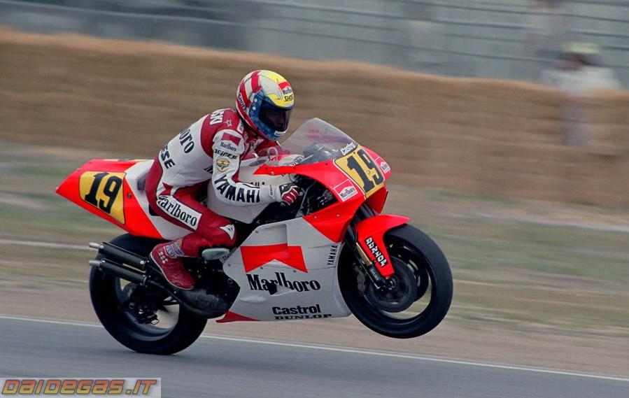 John Kocinski (Yamaha), pembalap pertama yang memenangkan MalaysianGP