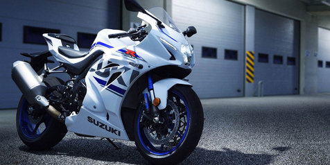 Suzuki GSX-R1000 model 2018 warna putih