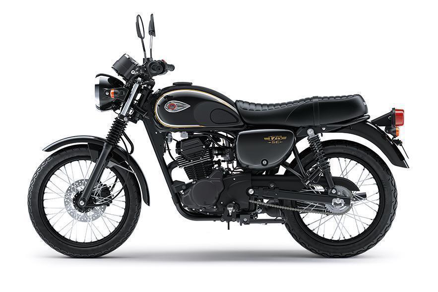 Kawasaki W175 Special Edition Warna Hitam Metallic Spark Black
