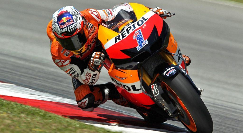 Kembali ke Honda Repsol tahun 2011, Casey Stonner kembali bertemu Livio Suppo sekaligus mengoleksi gelar juara Dunia motoGP untuk kedua kalinya