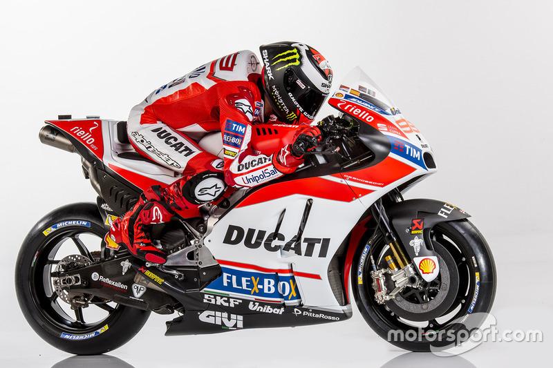 Jorge Lorenzo sedikit lagi ampaui capaian Valentino Rossi di Ducati
