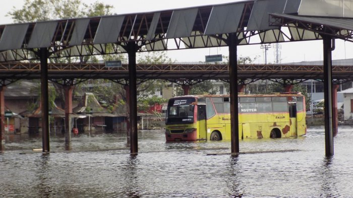 Terminal Terboyo Semarang Kota Lumpia memang sudah tak layak pakai