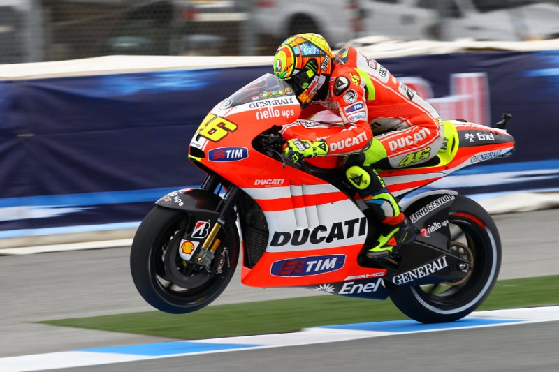 Valentino Rossi, boleh dibilang gagal total di Ducati (2011-2012), akankah Jorge Lorenzo bisa lebih baik darinya ?