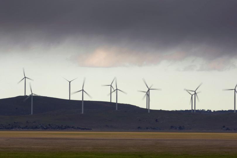 Kincir-kincir angin raksasa ini yang nantinya akan mengisi baterai lithium ion dengan listrik